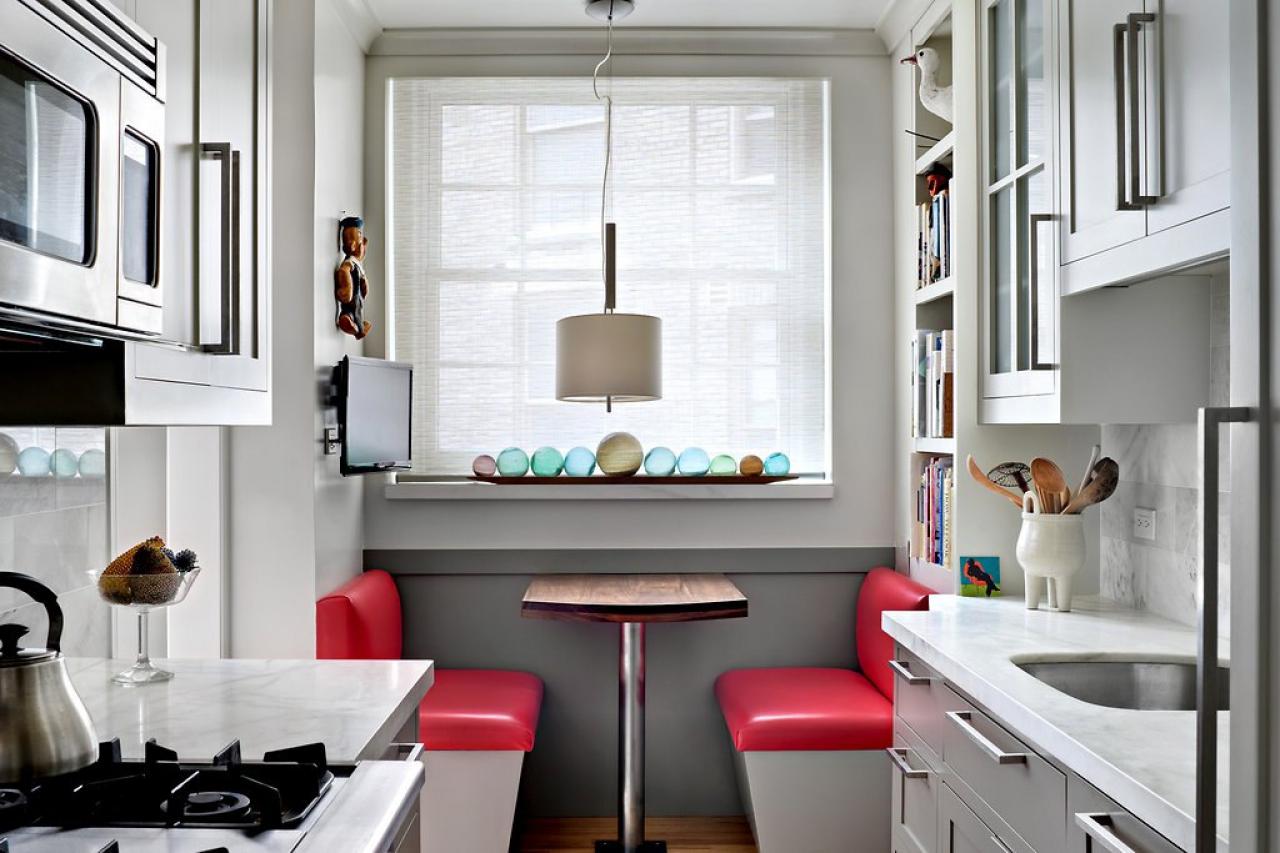 Основные аспекты дизайна узкой кухни.